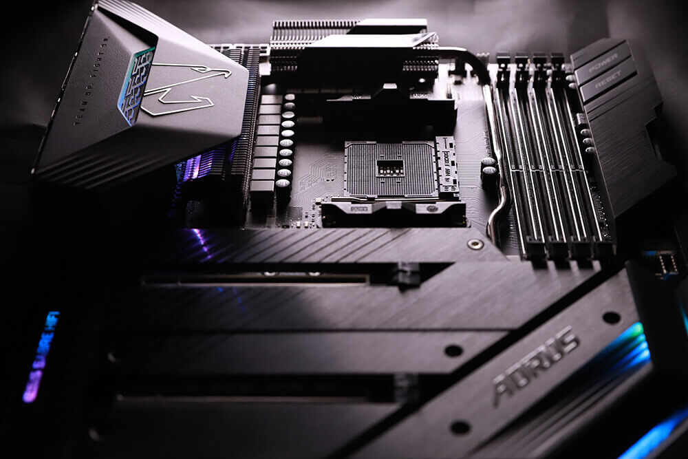 X570 AORUS XTREME looks cool and packs an advanced thermal design with a robust power delivery