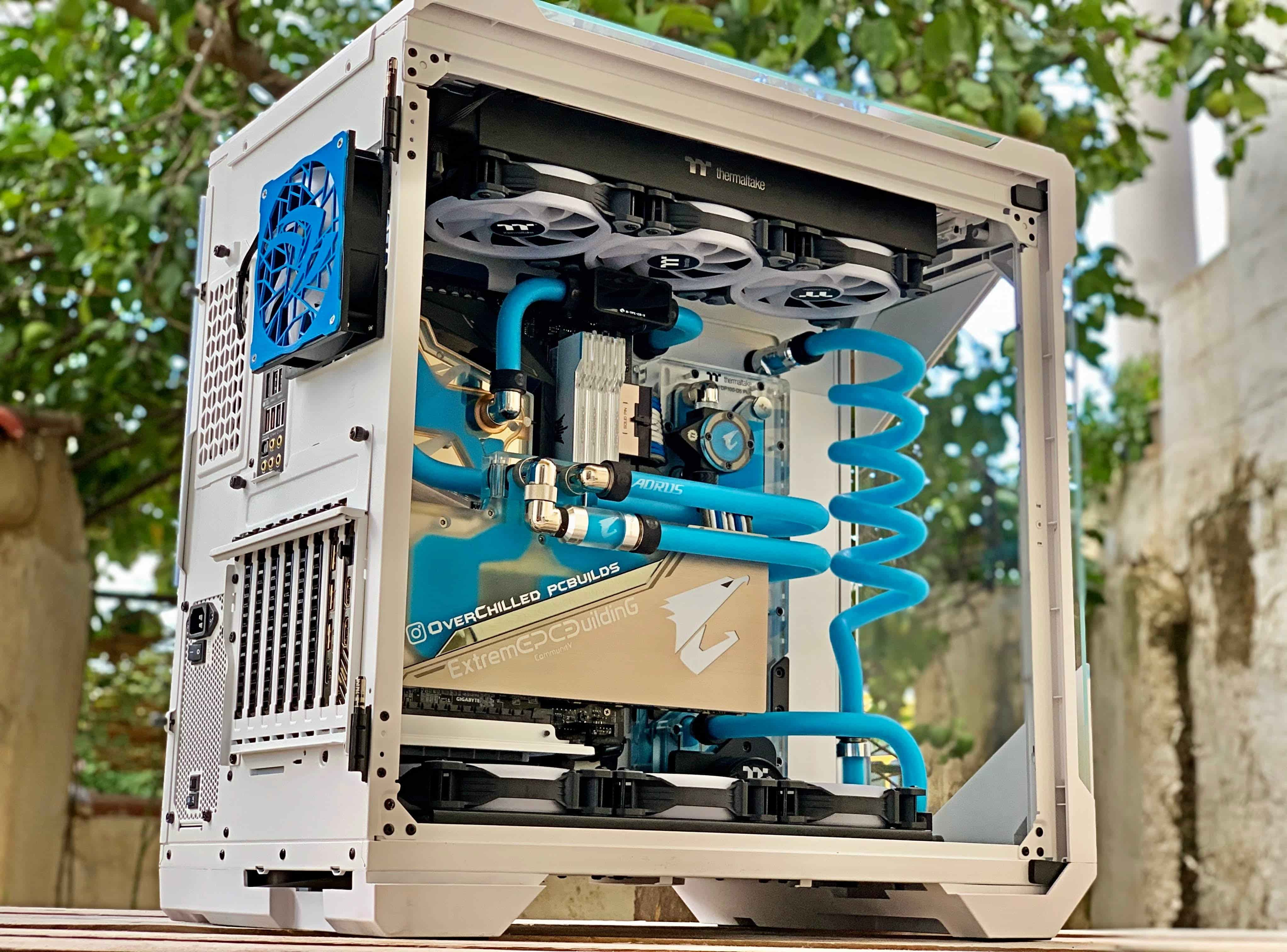 What Is a Custom Water Loop?